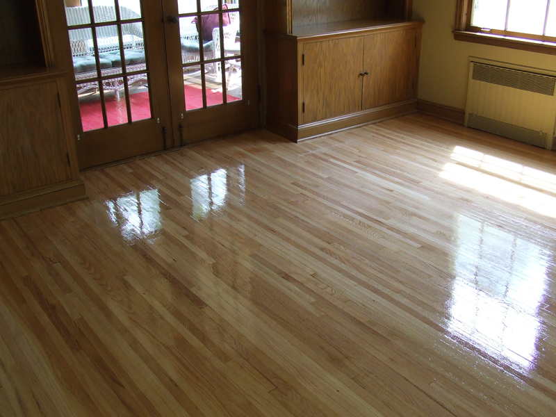 clean laminate wood floors