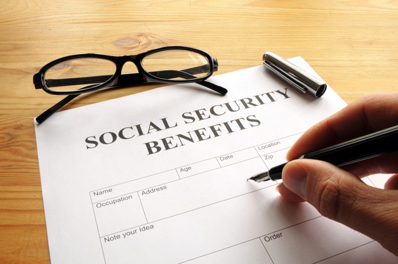 apply social security benefits